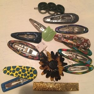 NWOT trendy hair clip bundle
